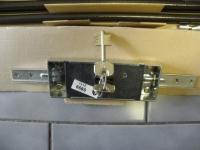 CR SERRATURE 9000-zámek vratový-2body + táhla